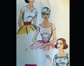 Vintage 50s 60s  EASY Pullover Blouse w/ Neckline Variations Sewing Pattern 2511 B32