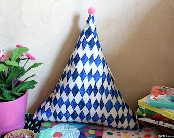 Diamonds pattern Triangle Plush