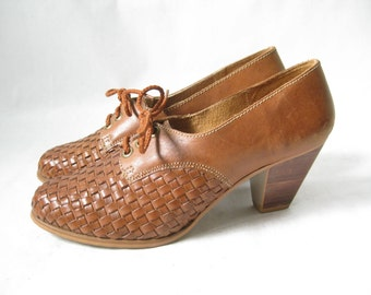 Vintage 80s Woven Leather Lace Up Oxfords. Size 6