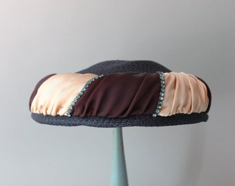 1950s Hat / Vintage 50s Folded Satin Halo Hat / Fifties Rhinestone Trimmed Straw Hat