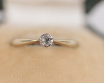 VINTAGE Italian 14k yellow gold 545 SOLITAIRE RING with 1 Round diamond