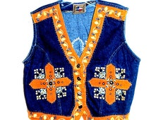 Dont mess with Texas. Vintage 80s  dark denim blue vest with flowers, cross, studs embroidery. Size M.
