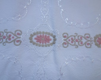 pretty vintage jacquard tablecloth 44x50 inches