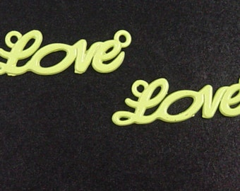 CLEARANCE Jewelry LOVE 6 Connectors Yellow/Green Word 2-Ring Charm 33mm x 10mm (1038con33m1-2)os