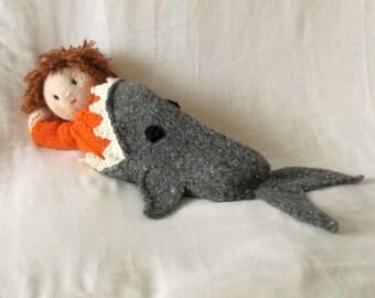 Shark attack! Dolls blanket knitting Pattern