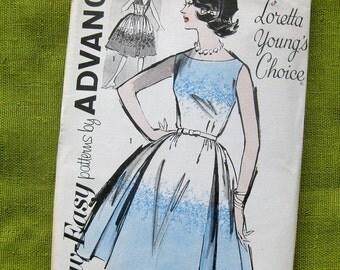Vintage Dress Pattern Inverted Pleats Full Skirt Bateau Neckline Deep V Back / Advance 2839 / Size 16 / UNCUT FF