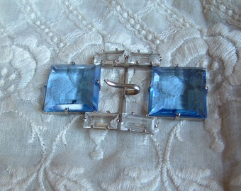VINTAGE Art DECO 1920s 1930s Dress Buckle Beautiful Clear Blue and Clear Faceted Glass Silver Tone Setting