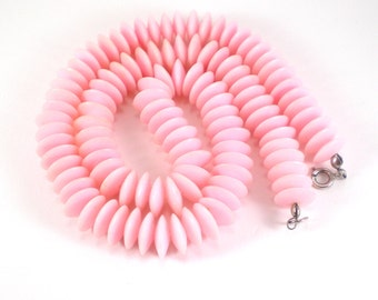 Pink Lucite Plastic Necklace - Fun Summer Beaded Necklace - Vintage Retro Jewelry