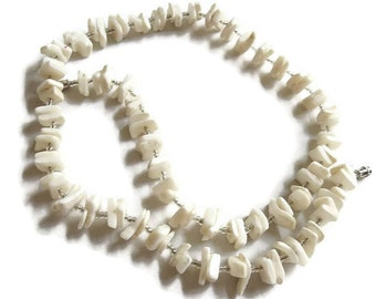 Vintage White Mother of Pearl and Seed Bead Necklace