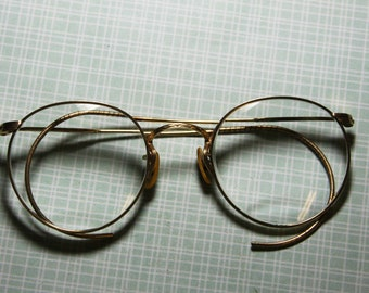 Round EYE GLASSES with Wire Temples- Vintage Eyewear- Retro Gold Glasses- Shelby, NC- Eye wear