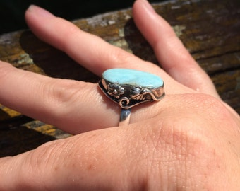 FREE SHIPPING vintage sterling silver ring with opalescent blue stone