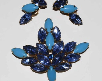Vintage 1950 shades of blue maple leaf demi parure brooch unsigned  with clip on earrings shipping included within Canada and U.S.A