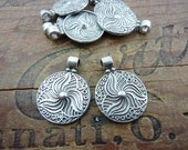 Charm Pendant Antiqued Silver Pewter Celtic Design with Big Hole (2) P94