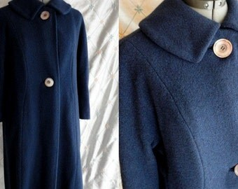 50s 60s Coat // Vintage Dark Blue Cashmere Coat Size M L by Country Tweeds Cashmere Textura soft and luscious