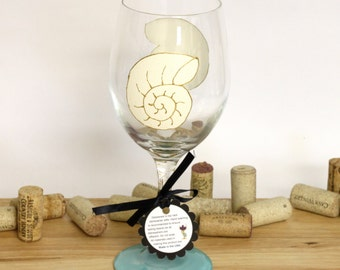 Snail shell, Seashell wedding, beach wedding, beach table decor, ocean wedding, painted wine glasses, large wine glasses, beach wedding, sea