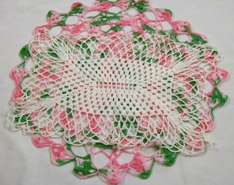Vintage Crochet Doily, White and  Pink Doily, Vintage Doily, Crocheted Doilies Vintage
