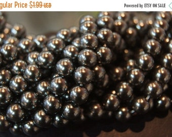 ON SALE CLOSEOUT - Austrian Soft Grey Black Glass Round Beads - 7mm - 20 pcs