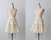 Vintage 1980s Ruffled Lace Skirt / Cream / Elastic Waist