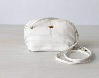Vintage White Leather Small Cross Body Hip Purse / 1980s Purse / Small Satchel Purse / Leather