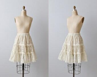 Vintage 1980s Ruffled Lace Skirt / Cream / Elastic Waist