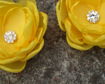 Bright Yellow Flower Brooches Bobby Pins Shoe Clips SET OF 2