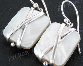 "11/16"" White Mother Of Pearl Shell 925 Sterling Silver Earrings"