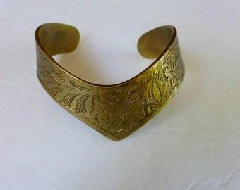 Vintage India Brass Etched Chevron Cuff Bracelet 60s 70s Hippie Jewelry