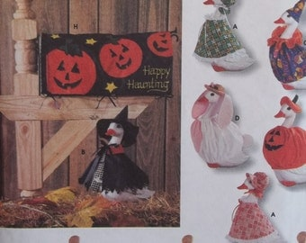 Lawn Geese Clothing Pattern Simplicity Crafts 7521 Sewing Pattern, Goose Wardrobe, Witch Pumpkin Clown Bunny Dress Hats Mail Box Cover UNCUT