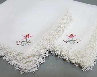 Embroidered Napkins Filet Net Lace Edging Set of 8 1980s Table Decor