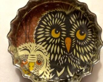 Owls Magnet & Needleminder. Tin Magnet. Large Bottlecap Magnet.
