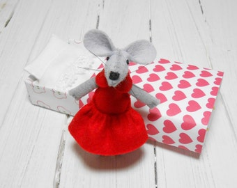 Best friend red felt heart plush gift daughter pre teen kids felt mouse in a matchbox red birthday miniature mouse small animal