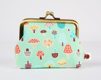Frame purse - Little mushrooms on pastel green - Big Aunty / Kawaii japanese fabric / pistaccio green orange brown yellow blue / woodland