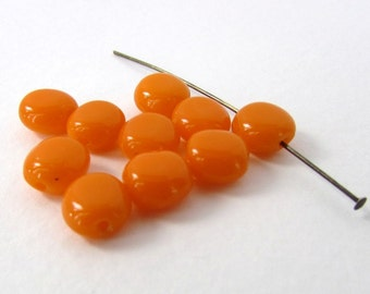 Vintage Beads Bright Orange Glass Flattened Rounds 8mm vgb1066 (10)