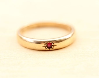 Ruby Band Ring, Victorian Band Ring, 10K Gold Band, Victorian Band, Gold Ruby Ring, Ruby Ring, Wedding Band, Gold Ring, Size 6 Ring