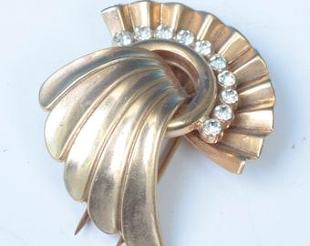 Art Deco Fur Clip Fan Shape Rhinestones Dimensional Gold Tone Vintage