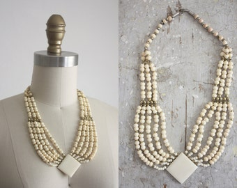 1950s strand necklace