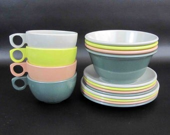 "Vintage 16 Piece Melamine Dishware Set in Multiple Colors. ""Balmoral by Watertown"". Circa 1950's 60's."