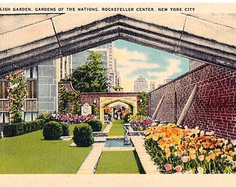 Vintage New York City Postcard - The English Garden on RCA Building in Rockefeller Center (Unused)