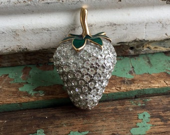 Vintage CAROLEE Crystal Rhinestone Strawberry Fruit Pin Brooch