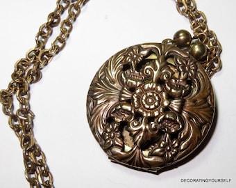"Goldtone Round Photo Locket Pendant One Picture Original 22"" Chain Necklace"