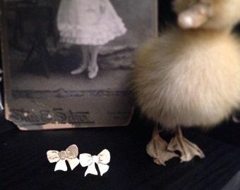 Brass bow earrings