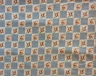 1940s vintage cotton fabric  1.8 m x 87 cm wide floral and grid pattern