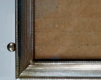 Vintage Metal Picture Frame Ridged Lines Wedding Ball Feet Gold Tone 4 by 6 1960s