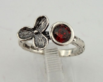 925 Silver Red Garnet Ring, Elegant charming silver garnet ring, Ring Size 7.5, Flower Ring, Engagement Ring, Wedding Ring