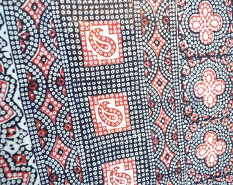 Vintage India Tablecloth Bedspread - Hand Blocked Dye Cotton - Black and Red Paisley 84 x 90