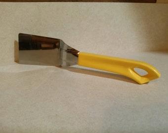 Vtg Quikut Yellow Stainless Mini Kitchen Spatula Utility Server