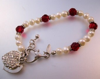 "Vintage Signed TR Genuine Fresh Water Pearl Rondelle Faceted Red Crystal Beaded Heart Charm Bracelet 7.75"" to 8.75"""