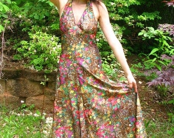 Vintage 70s Summer Maxi Dress, Floral Print Brown Pink Green Satin - size Medium - Halter neck, Sleeveless, Backless, Full length