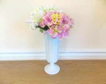 Vintage Vase, Vintage Milk Glass Vase, Large Vase, Glass Vase, Home Decor, Vintage, Flower Vase, Tall Vase, Milkglass, White Vase, Ribbed