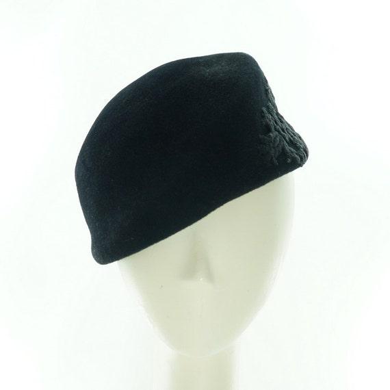Black BERET Millinery for Women / VINTAGE STYLE Fur Felt Hat / Guipure Lace / Handmade by Marcia Lacher Hats